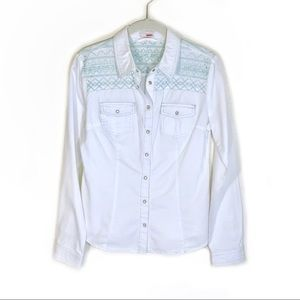 Bongo button down shirt white with blue embroidery